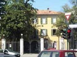 municipio comune malnate esterno