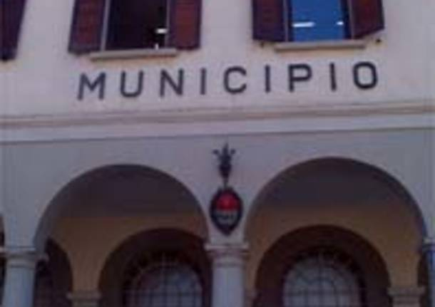 municipio comune gavirate facciata