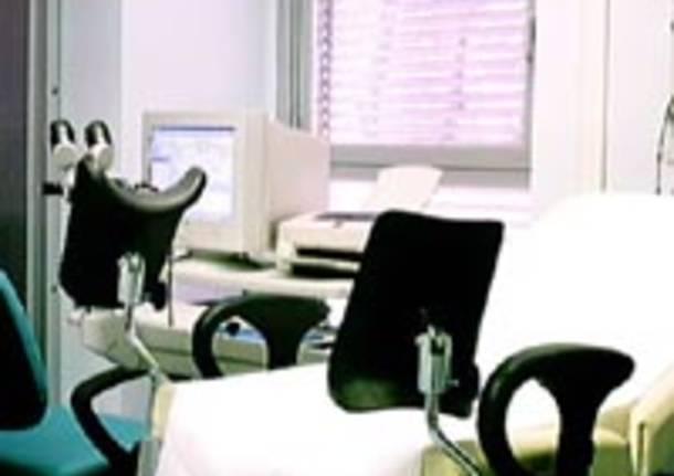 lettino medico visita ginecologo