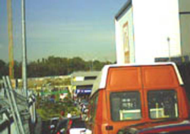 traffico strada coda fila ingorgo