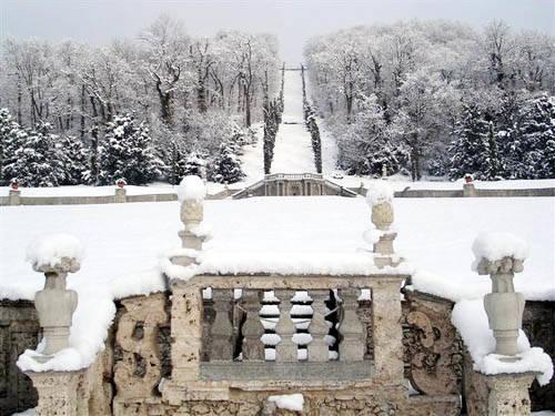Villa della Porta Bozzolo a Casalzuingo sotto la neve