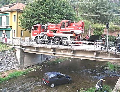 Parcheggi insoliti a Laveno