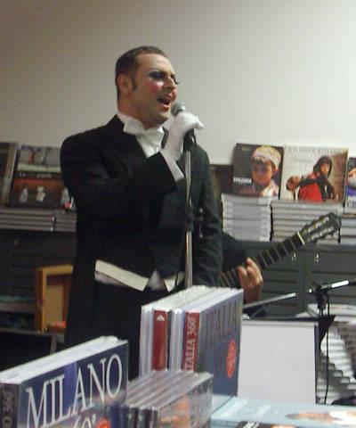 Gennaro Cosmo Parlato Libreria Mondadori Presentazione Disco Capodanno