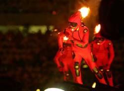 inaugurazione giochi olimpici torino 2006 skater con fuoco