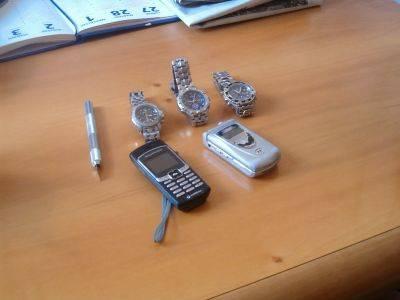 refurtiva rapine cellulari orologi