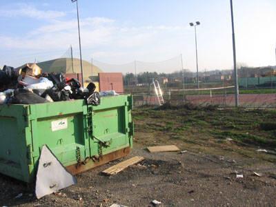 discarica centro sportivo venegono