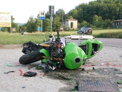 incidente_auto_moto_cassano_valcuvia