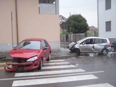 incidente sacconago via cherubini 4-5-2007
