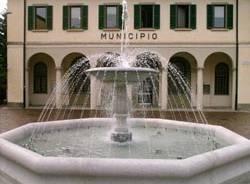 fontana nuova gavirate piazza municipio