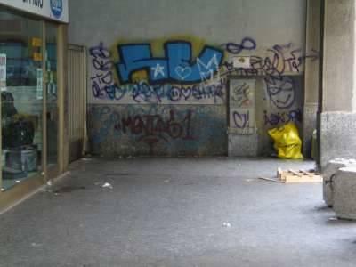 foto degrado via cattaneo centro busto arsizio