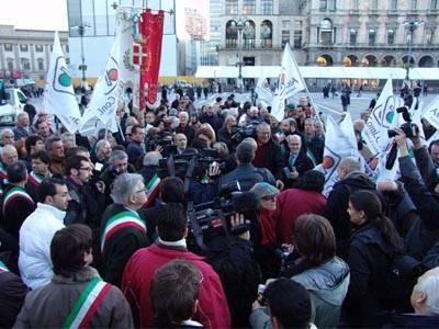 protesta_sindaci_confine_milano