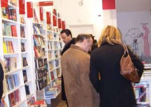 natale centro busto arsizio 9-12-2007 ubik libreria libri