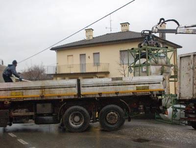 taino_camion_ribaltato_acido_solforico
