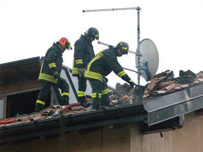 incendio tetto capolago
