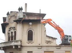 demolizione casa busto arsizio