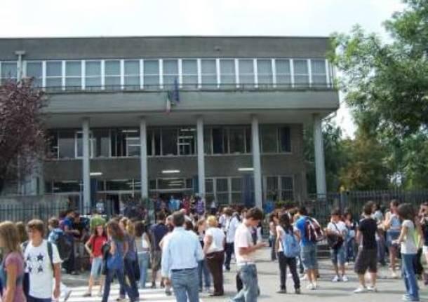Assemblea degli studenti di Busto sulla politica