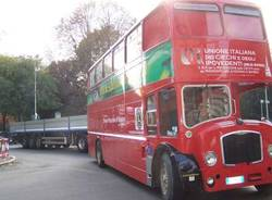 incidente camion autobus a due piani double decker piazzale pozzi sacconago 14-10-2008