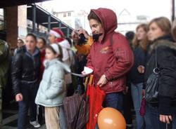manifestazione studenti varese lettori