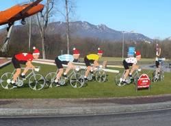 ciclisti padani cappello babbo natale