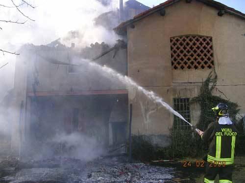 incendio cadegliono voconago 24 febbraio