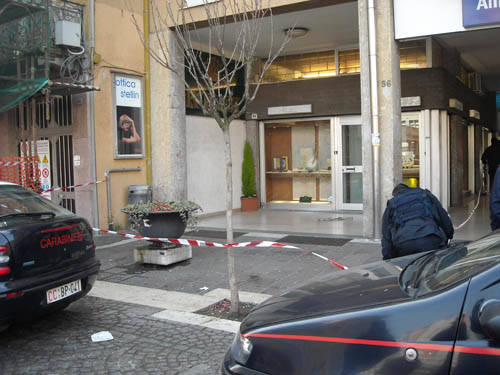 spaccata saronno carabinieri