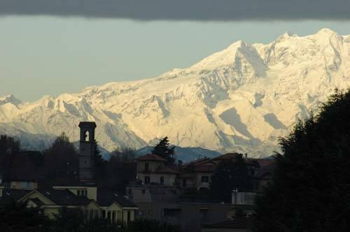 Monte Rosa visto da Cassano Magnago