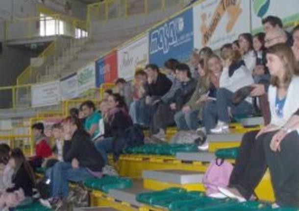 studenti olga fiorini liceo marco pantani busto arsizio palayamamay 16-3-2009