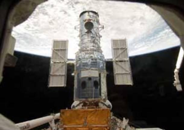 Hubble Shuttle spazio