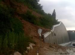 maltempo frana via peschiera luglio 2009