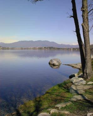 Tranquillità sulle sponde del lago di Corgeno