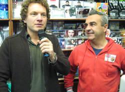 Matteo Beccucci alla Casa del disco di varese