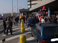 operai protesta alfa romeo arese sindacati