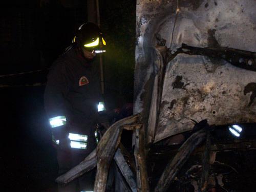 auto incendio induno 30 dicembre 2009
