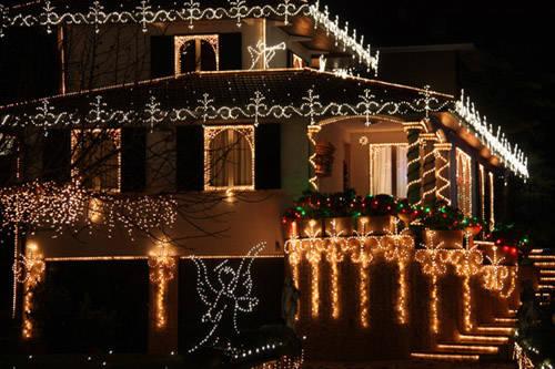 casa natale addobbi natalizi luci leggiuno