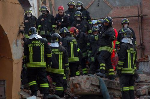 esplosione palazzina borsano busto arsizio dicembre 2009