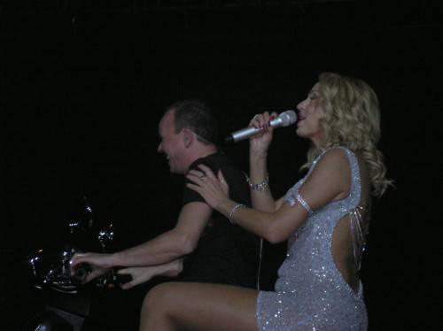 Gigi D'Alessio in concerto al palazzetto 2009