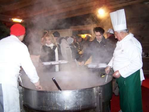 gioeubia 2010 piazza san giovanni polenta e bruscitti