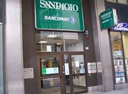 rapina via milano busto arsizio banca intesa san paolo 4-3-2010