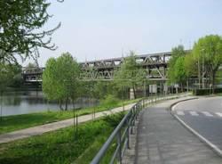 navigazione battelli ticino naviglio grande aprile 2010 ponte sesto calende