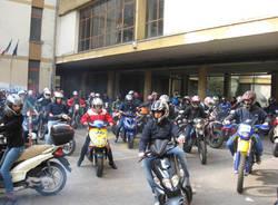 tutti insieme sulla strada isis daverio moto club polizia studenti varese