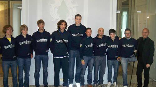 campioni abbracciano lago 2010 villa recalcati