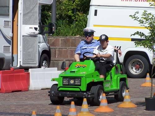 guida sicura varese piazza repubblica bambini vigili lezioni guida