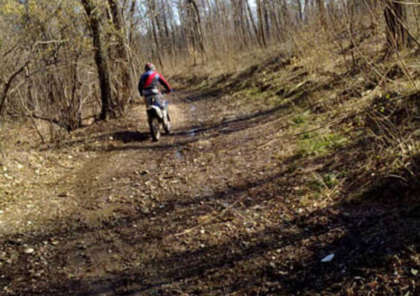 valle olona moto enduro danni sentieri bosco