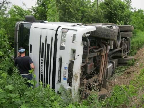 camion rovesciato furti metallo cassano magnago via carabelli 10-6-2010