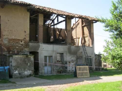crollo tetto cascina burattana 4-6-2010