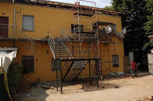 crollo tetto via sicilia busto arsizio