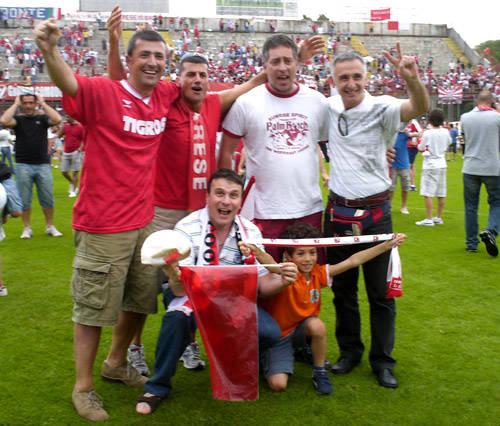foto tifosi promozione varese 2010