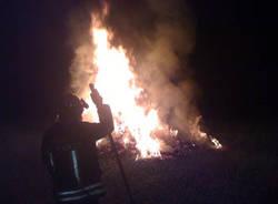 incendio balla di fieno