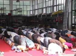 preghiera musulmani islamici laboratorio