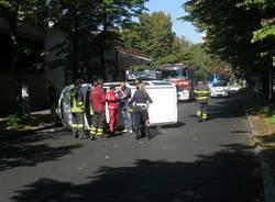incidente viale boccaccio busto furgone ribaltato 29-9-2010